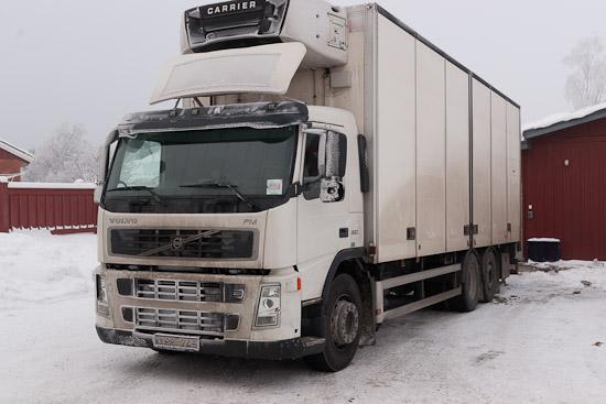 Tillbackad med bil 170 på ICA Väddö på vintern.