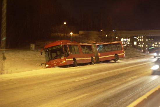 Vinterdäckskrav på tunga fordon från 1 december 2011