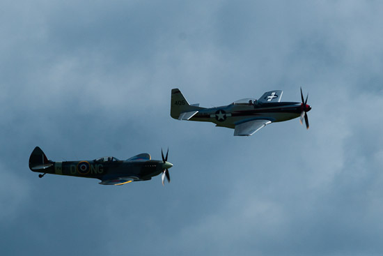 Biltemas Supermarine Spitfire Mk. XVI och P-51D Mustang